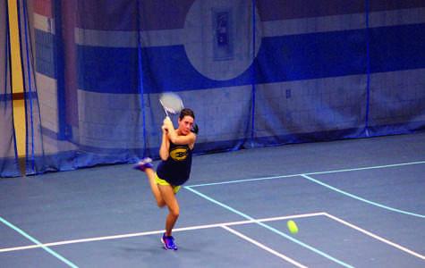 Women's tennis win streak continues