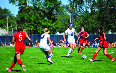 Women's soccer can't beat the heat