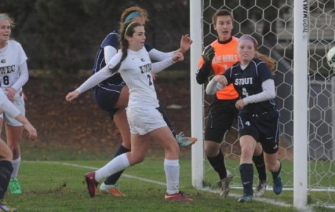 Women's soccer advances to semifinals