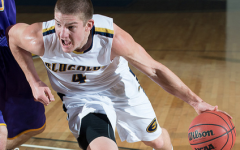 Men's basketball heats up in second half for win