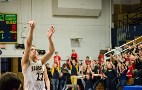 Blugolds nearly upset Pointers at home