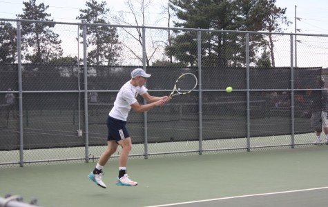 Tennis teams finish well on home courts