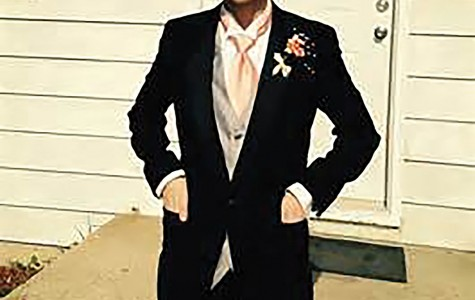 Transgender Kenosha student fights to run for prom king