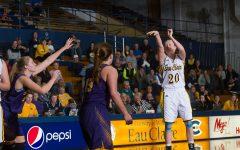 UW-Eau Claire women's basketball team reflects on their season thus far