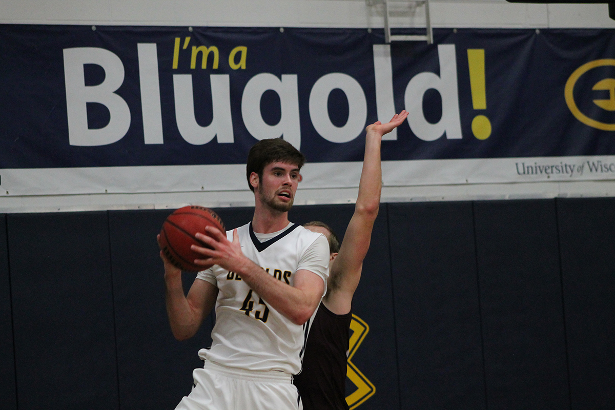The Blugolds secured another conference victory against UW-La Crosse, keeping them close.