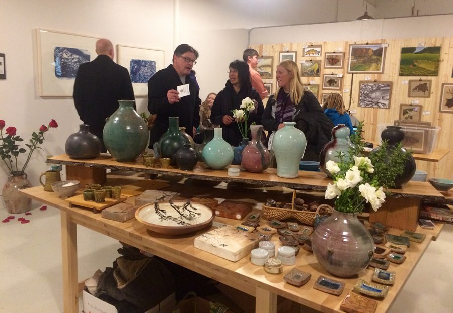 The+Banbury+Art+Crawl+provided+a+place+for+people+to+gather+and+appreciate+handmade+art%2C+from+pottery+to+paintings+and+more.
