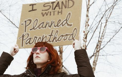 Eau Claire community rallies to support Planned Parenthood
