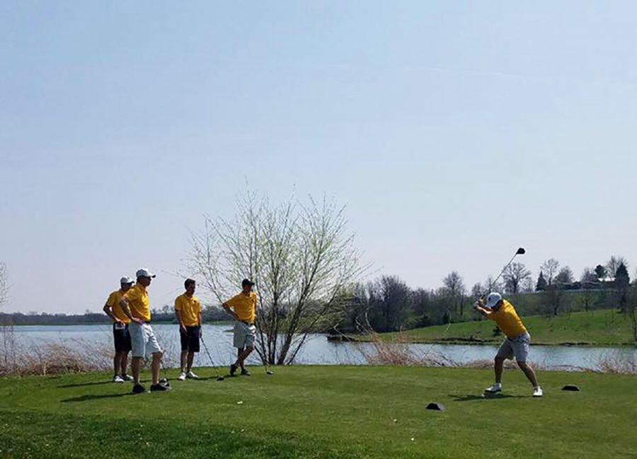 Blugolds+prepared+to+compete+in+the+Augustana+Invitational+both+Friday+and+Saturday%2C+placing+fourth+overall.+