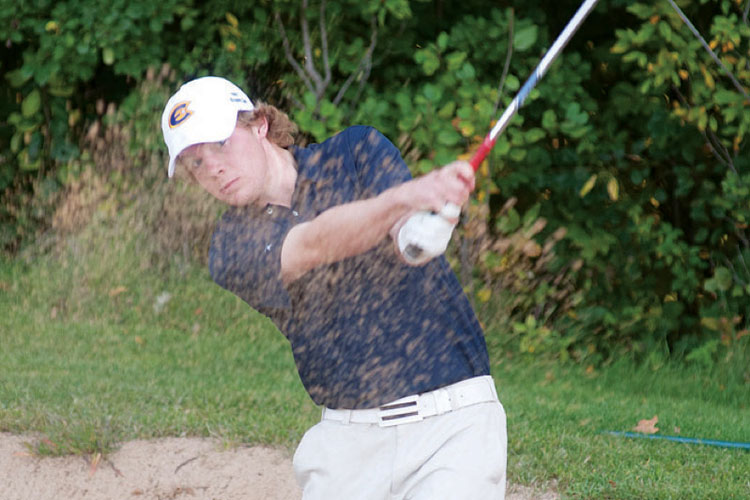 Men's golfer leads way with first place finish
