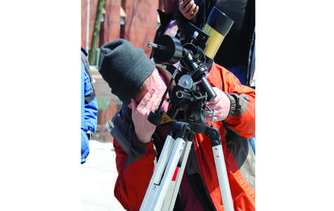 Astronomy Day connects bridges