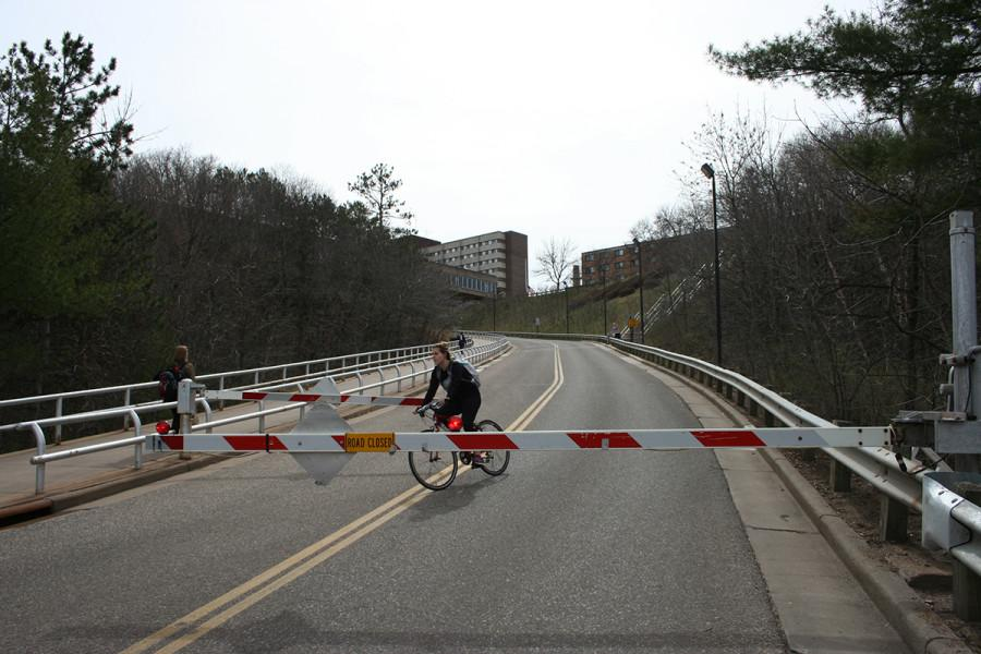 A PAINFUL CYCLE: Despite 16 students being injured on the campus hill while riding a bike since the 2010-11 school year, campus officials feel current gates are the safest option