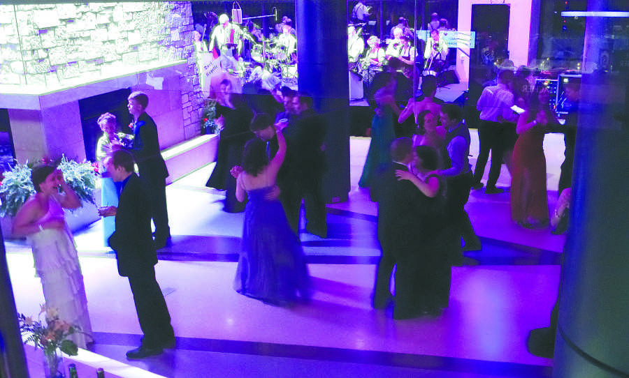 Guests+are+able+to+enjoy+many+forms+of+dancing+at+the+annual+Viennese+Ball.+