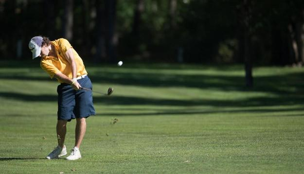 Blugolds win home tournament and place fifth at Saint John's Invitational