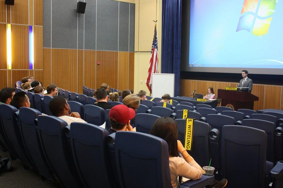 Student Senate met Monday night in the Woodland Theater to approve legislation recognizing the life of former student body President Timothy Lauer and another resolution recognizing the approval of a Hmong Studies Program.