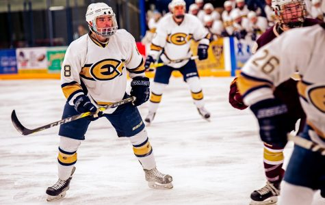 Men's Hockey glides 5-1 over Cobbers
