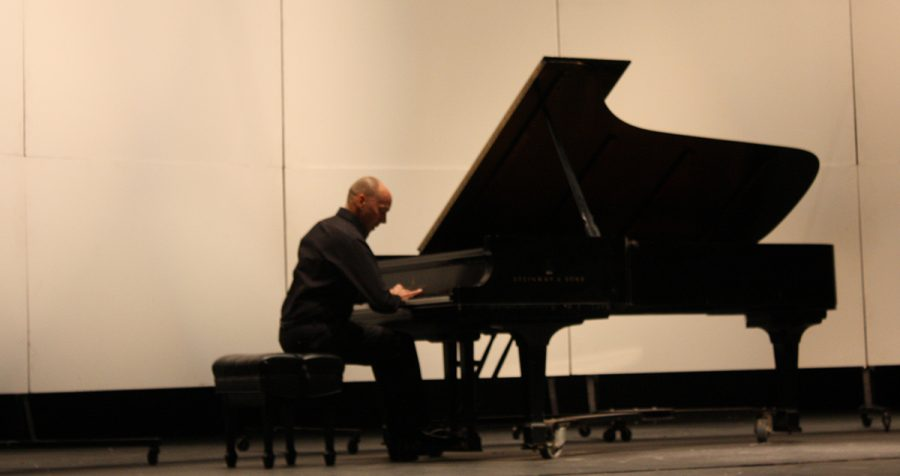 Paul+Barnes+performed+on+Sunday+as+part+of+his+New+Generations+tour.+He+also+teaches+prospective+pianists+at+the+University+of+Nebraska-Lincoln.
