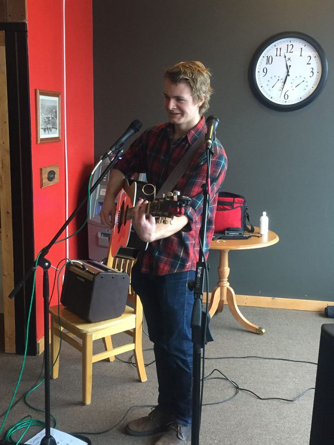 Jonathan Edwards, lead singer and guitarist for Minneapolis band Wayward comes to Cafe Tempo to perform for Saturday Morning Acoustics.