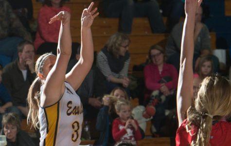 UW-Eau Claire women's basketball dominates UW-Stevens Point