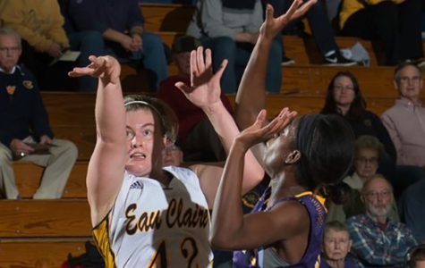 The women's basketball team falls short against UW-Stevens Point