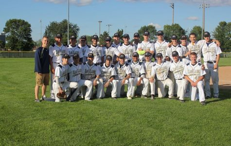 The UW-Eau Claire men's baseball club poses for a photo after their Winona State game last year.