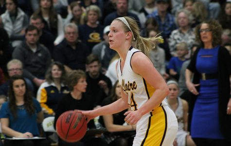 Three Blugolds win women's conference basketball honors