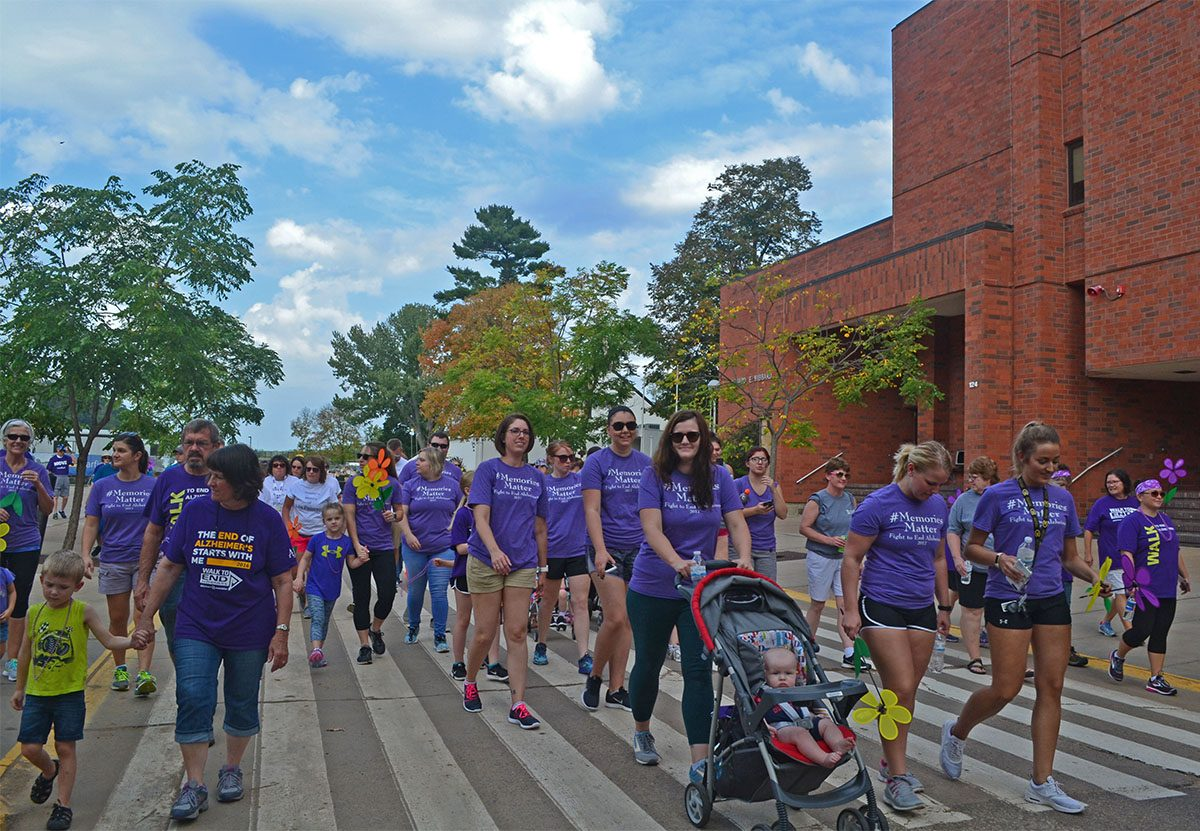 UW-Eau+Claire+hosted+the+Walk+to+End+Alzheimer%27s++on+Saturday+to+raise+awareness+of+the+disease.
