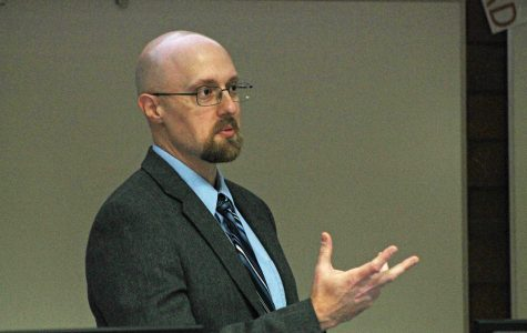 Eric Kasper opened a dialogue about the new Freedom of Expression policy on Wednesday in an event co-sponsored by the UW-Eau Claire Pre-Law Club, the UW-Eau Claire Center for Constitutional Studies, Student Senate and the Criminal Justice Association.