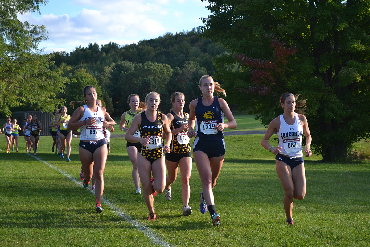 In the annual Blugold Invite this weekend, both men's and women's cross country found success, taking top honors and breaking an individual course record.