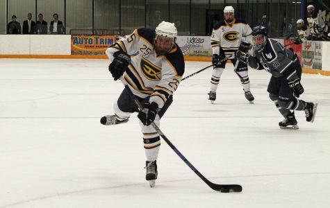 UW-Eau Claire men's hockey bounces back