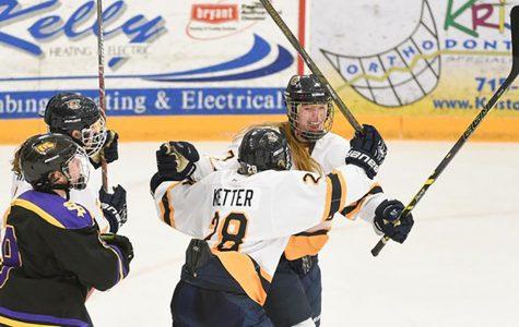 Women's hockey opens season with 6-0 win