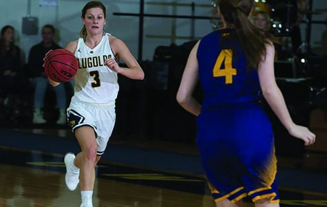 Women's basketball ends their season with a defeat by UW-Whitewater