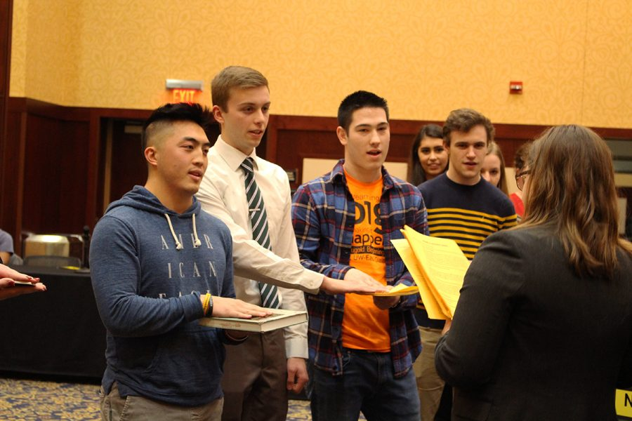 Nine new on- and off-campus senators were sworn in at Monday's meeting.