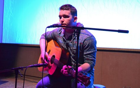 The Cabin hosted the Singer/Songwriter Slam this past weekend where first-year biology student, Patric Tillery, was awarded a performance slot.