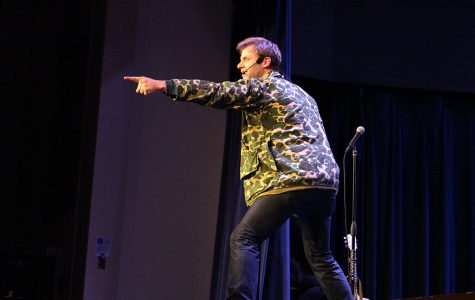 "Comedian Charlie Berens comes to Schofield Auditorium for ""Keep 'er Movin' Live"""