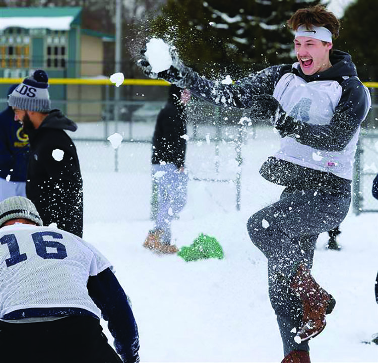 After+multiple+cancelled+practices+due+to+the+inclement+weather%2C+the+Blugolds+decided+to+embrace+the+snow+with+some+fun.