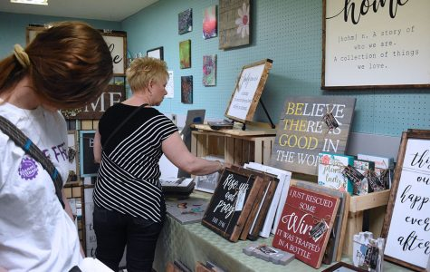 New business Art on the Ridge holds second art market