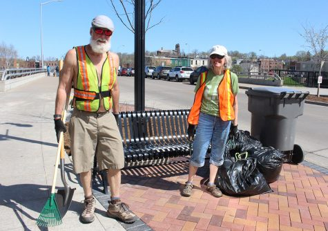 Hundreds of community members gather to clean downtown Eau Claire