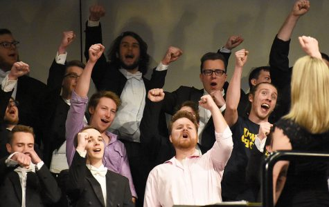 Statesmen perform concert before Mother's Day