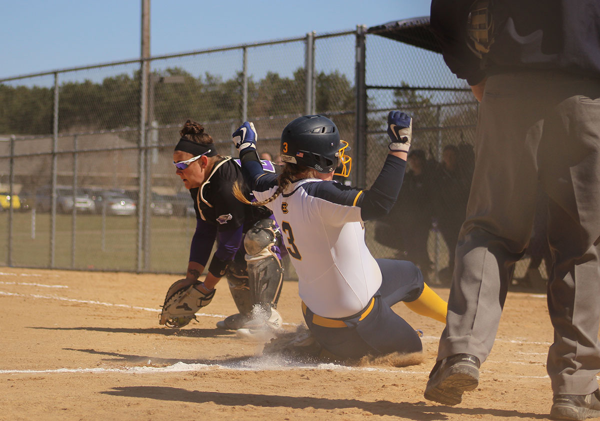 The Blugolds faced the UW-Whitewater Warhawks and the UW-Oshkosh Titans last weekend.