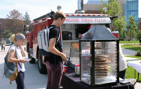 Julia Rindahl and James Selje, sophomore students, take advantage of UW-Eau Claire's Grab n' Go food trucks.