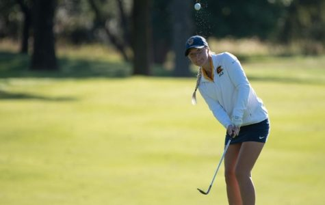 Allison Chomniak swings to tie for third place at the Fall Invite.