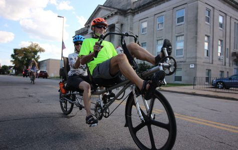 First large-scale tandem bike event hits Eau Claire