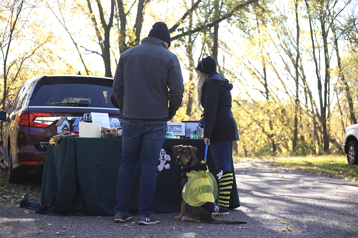 Several+pet+vendors+came+to+the+event+offering+goods+tailored+specifically+to+dogs.