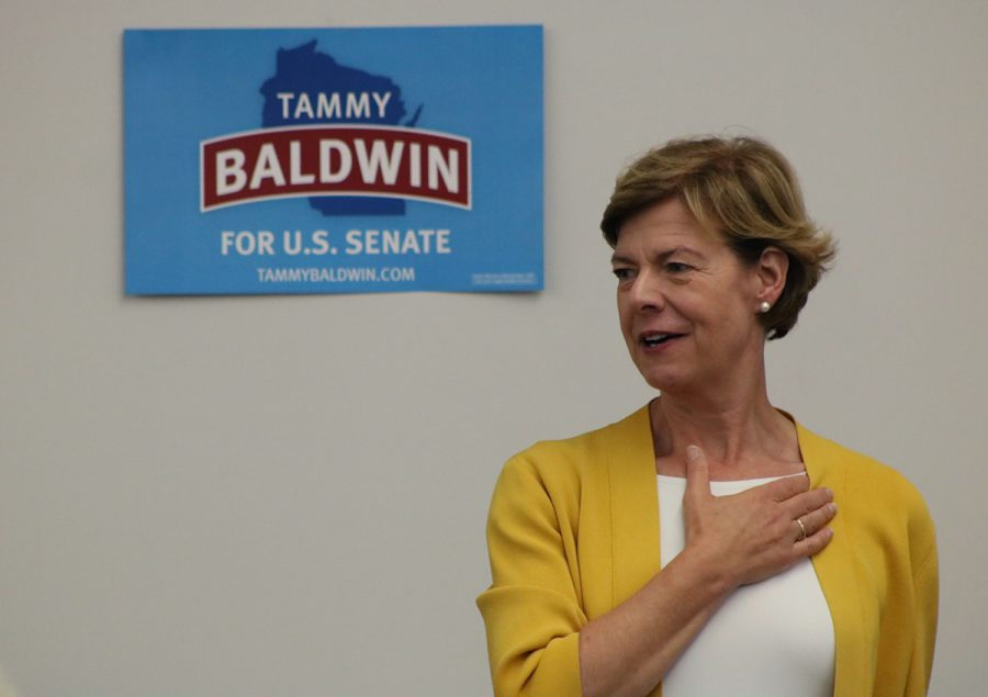 Senator+Tammy+Baldwin+visits+UW-Eau+Claire%E2%80%99s+campus+to+share+her+ideas+and+gain+support+for+the+upcoming+election.