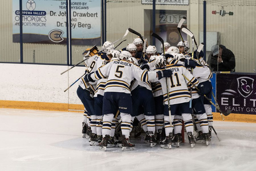 The+Blugolds+left+Hobbs+with+a+win%2C+a+loss+and+an+advance+to+conference+in+Stevens+Point+next+weekend.