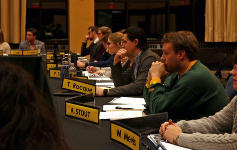 Student Senate passes resolution in support of new science building, tuition freeze