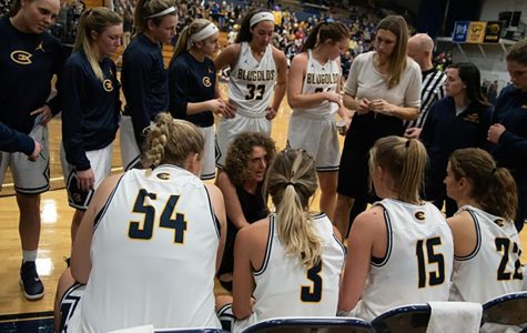UWEC women's basketball fights against losing streak