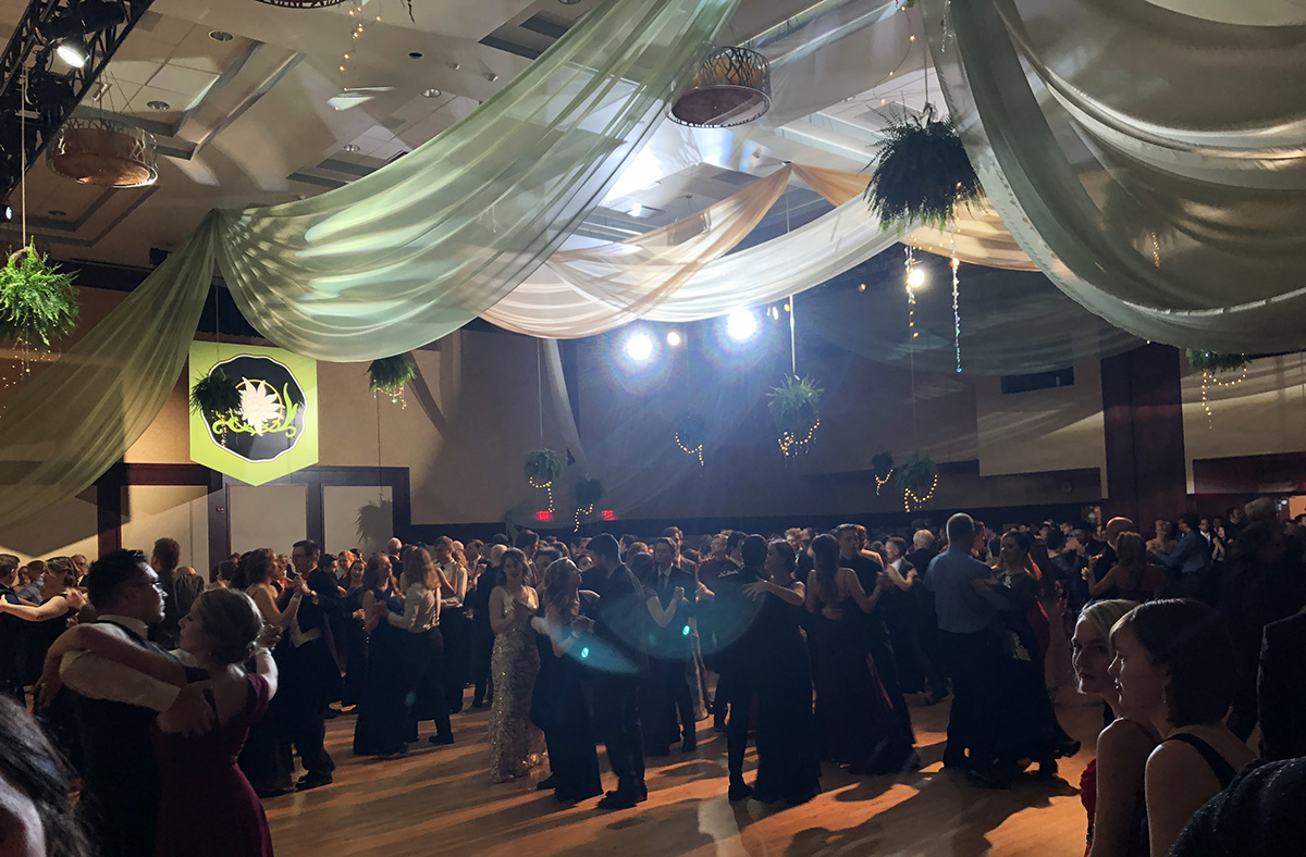 Experts and amateurs alike hit the dancefloor, gliding and twirling to live orchestral or jazz music.