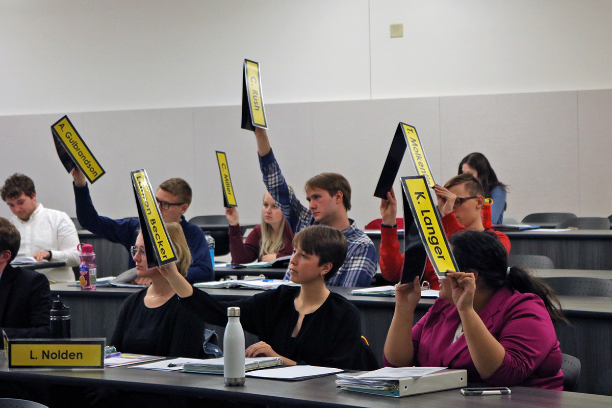 Senators vote in favor of adopting the 2019-2020 Student Org Fund Allocation.