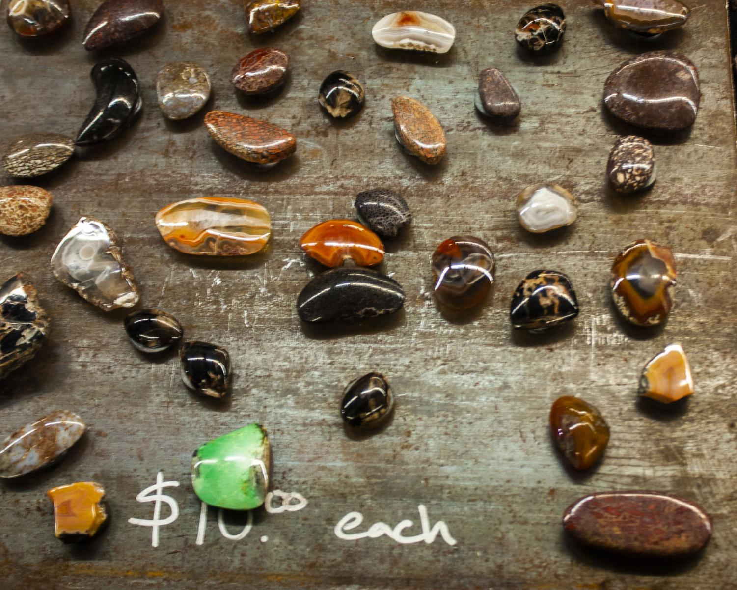 These+agates+and+stones+were+being+sold+as+refrigerator+magnets.+